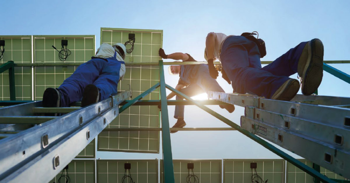Eleven million people were employed in renewable energy worldwide in 2018. This is according to the analysis by the International Renewable Energy Agency (IRENA). This compares with 10.3 million in 2017.