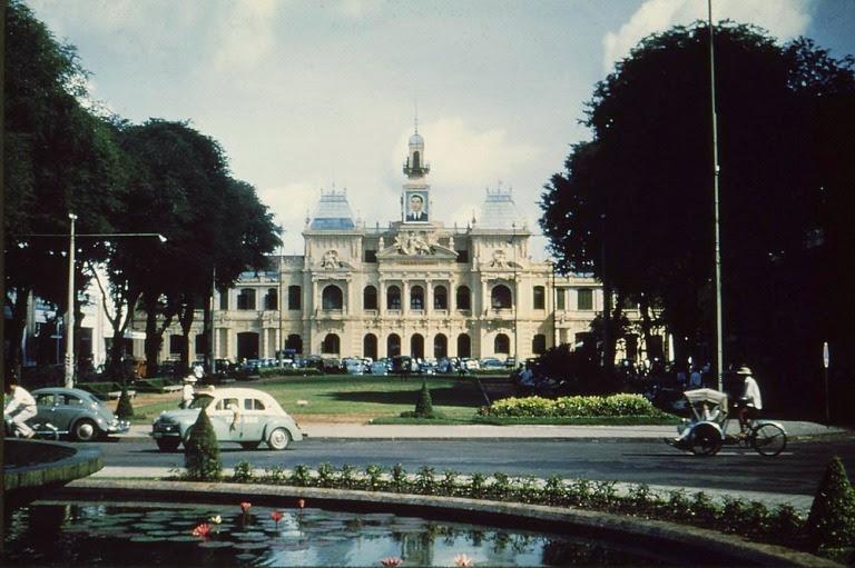 Tòa Đô chính.