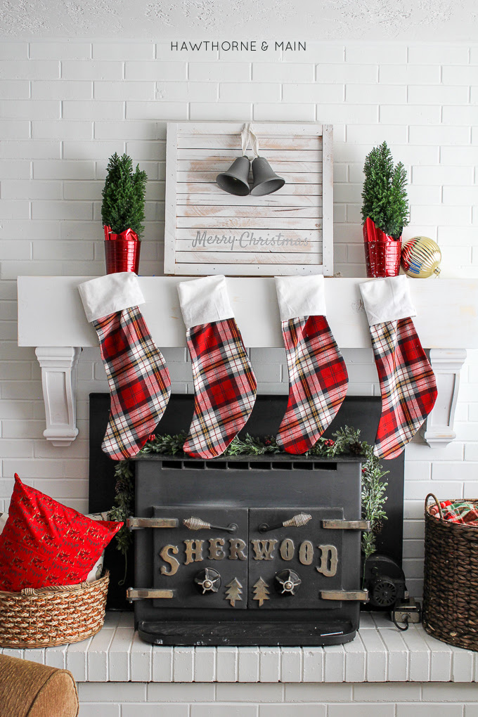 Holiday-Christmas-home-tour-hawthorne-and-main-2015-port34