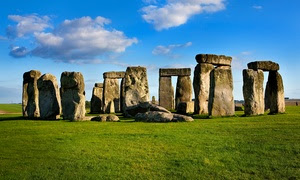 Stonehenge and Bath Tour: Child (£34) or Adult (£39) Ticket