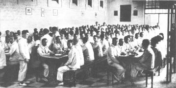 vista interior comedor Reformatorio Adultos Alicante 1931_Mndo Gráfico