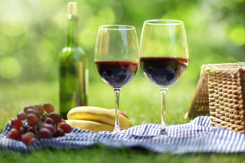 wine_picnic.jpg