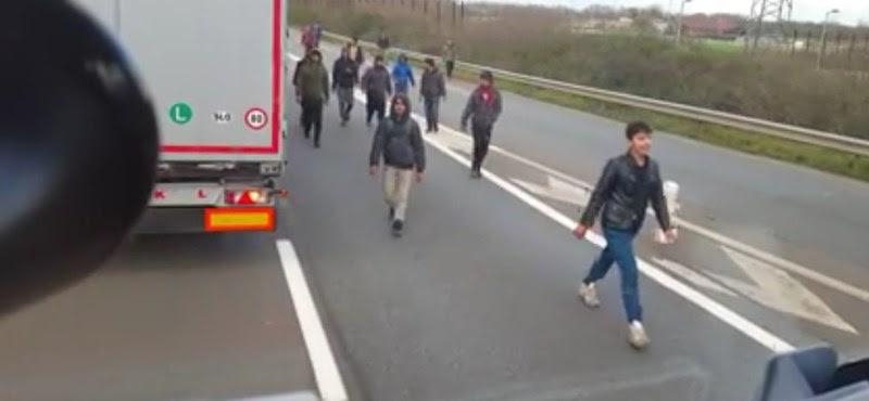 Magyar kamionos vs. migránsok - ki a vétkes és ki az áldozat?