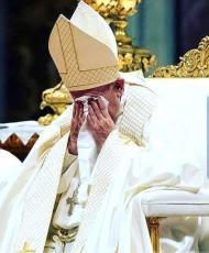Magistério Facial: Francisco chora.