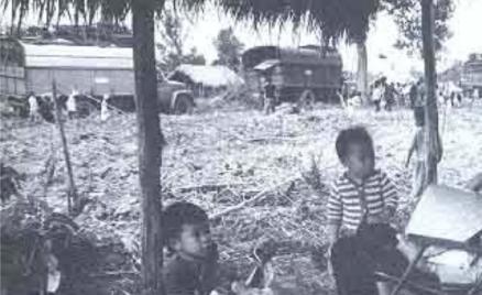 Những người bị cướp bóc, tịch thu nhà và sau đó dồn lên vùng kinh tế mới