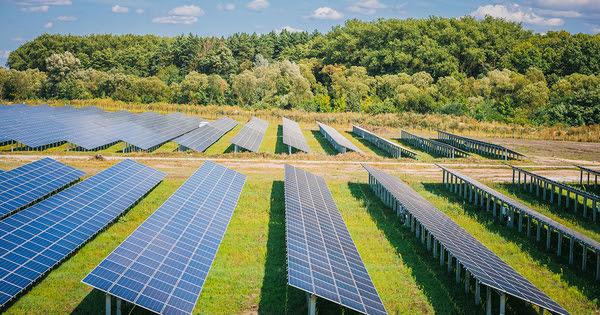 Photovoltaïque: la révision des tarifs des anciens contrats d'achat est votée