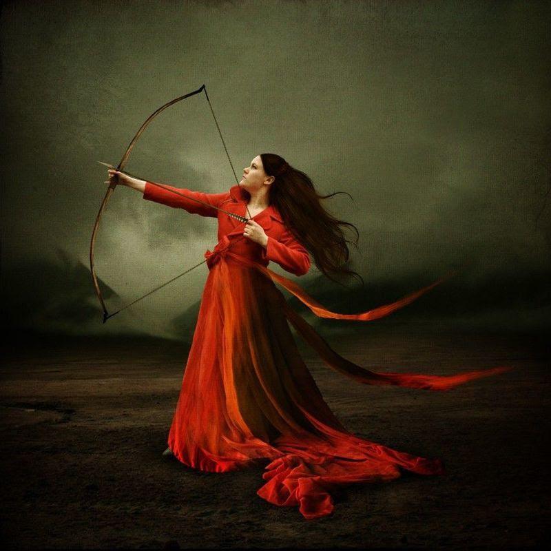 Flecha y mujer