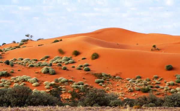 """Perierga.gr - Μια """"εξωγήινη"""" κόκκινη... έρημος!"""