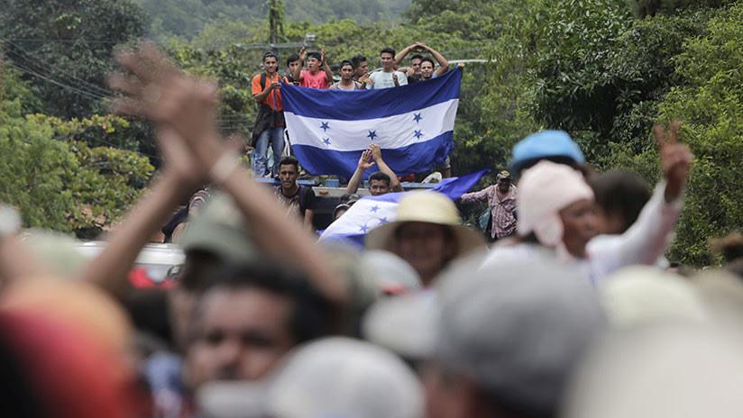 """Trump amenaza con cortar la ayuda a Honduras si no se pone fin """"a la gran caravana"""" de migrantes"""