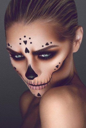 pretty-halloween-makeup-ideas-candy-skull-skeleton-look-334x500