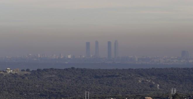Fotografía de archivo de la capa de contaminación que cubre la ciudad de Madrid. - EFE