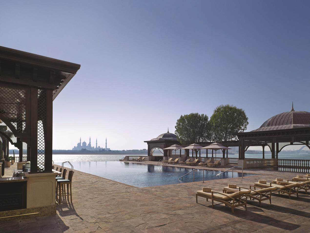 Shangri-La Hotel, Qaryat Al Beri, Abu Dhabi_Pool Bar