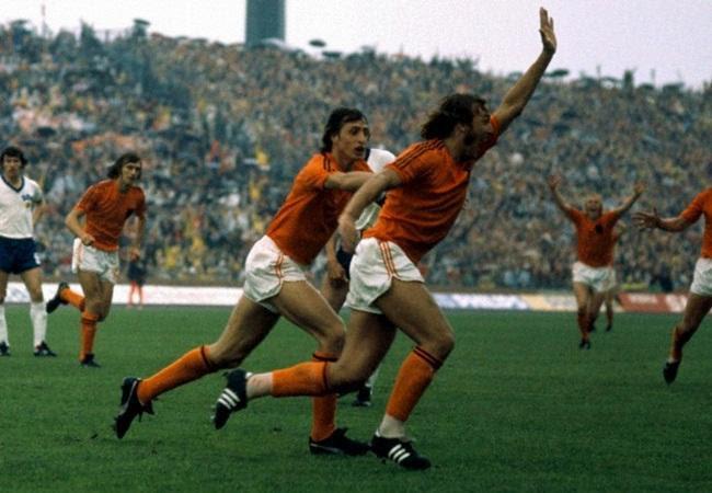 Olanda-Germania-Est-2-0-Neeskens-apre-le