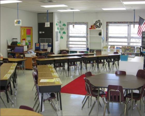 desks-in-rows1.jpg