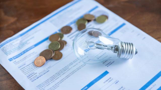 Repasse integral de custo de energia deve elevar conta de luz em 15%