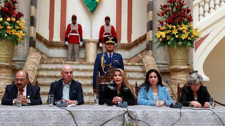 Gobierno de facto de Bolivia se retira del ALBA y cesa al 80 % de los embajadores