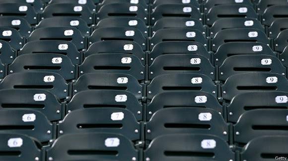 """""""¡Atención a los periodistas!"""", se escuchó por los altavoces del estadio. """"Con el propósito de registrar en las estadísticas, la asistencia oficial es… cero""""."""