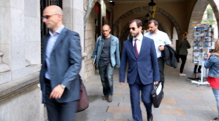 El fiscal anticorrupció, José Grinda, arribant a l'Ajuntament de Girona. ACN