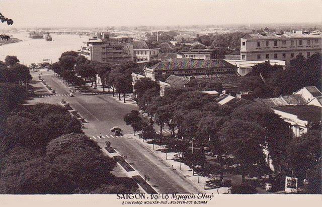 Saigon -                                                    Boulevard Nguyen Hue