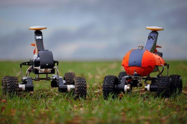 Los prototipos de robots de vigilancia Tom se encuentran actualmente en pruebas de campo en 20 granjas del Reino Unido. Foto medium.com