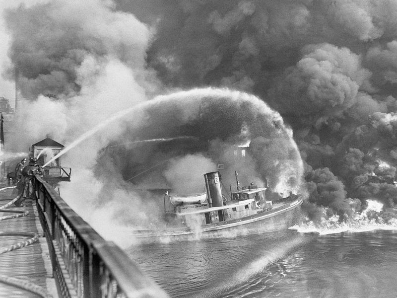 ohio river burning.jpg