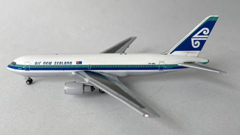 AC419519A | Aero Classics 1:400 | Boeing 767-200 Air New Zealand ZK-NBC