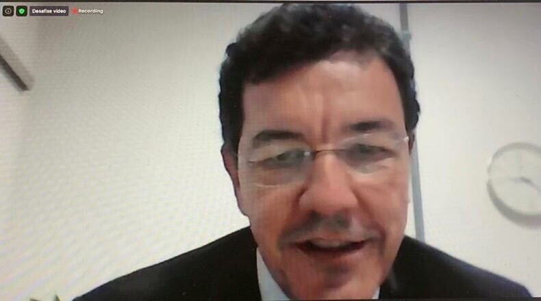 Videoconferência China Brasil - reitor da UFG, Edward Madureira