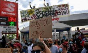 Imagen de las protestas en Mineápolis. EFE/ Craig Lassig