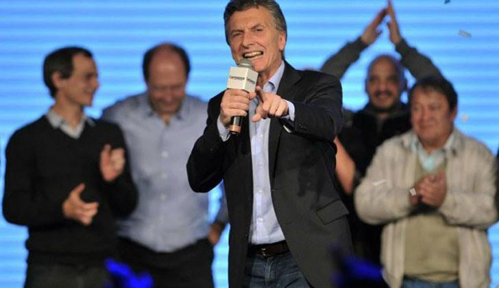 """La Justicia debe también decidir sobre las acusaciones contra el que secundó a Macri en la operación: el ex ministro de Educación Mariano Narodowski, en cuyo ministerio estaba contratado el ex policía y agente de Inteligencia Ciro James, que en realidad se dedicaba a ser el brazo operativo del  los """"pinchazos"""" telefónicos."""