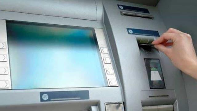 Bancos abrem em horário especial amanhã