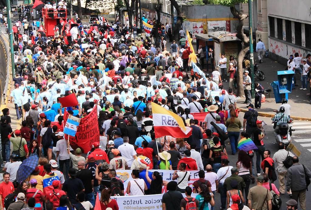 Marcha de movimientos populares y corrientes revolucionarias contra el golpe, desde Catia hasta la Plaza Venezuela