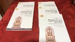 Libro Ratzinger 3.JPG