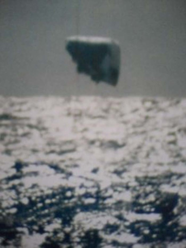 American Submarine Captures a UFO in the Arctic Ocean - Legendary Case (Video)