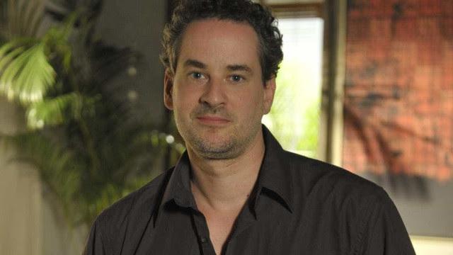 Dan Stulbach tem mãe internada por Covid-19 após perder o pai para a doença