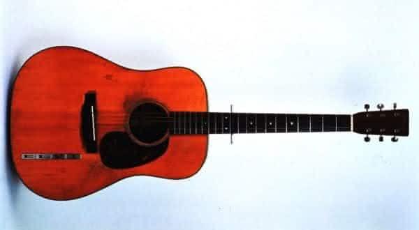 1942 Martin D-18 entre os violoes mais caros do mundo