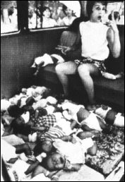 LeAnn Thieman bringing orphans to the airlift.