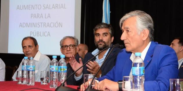 Salariazo puntano: Rodriguez Saa confirmó subas de entre el 38 y el 61% para estatales