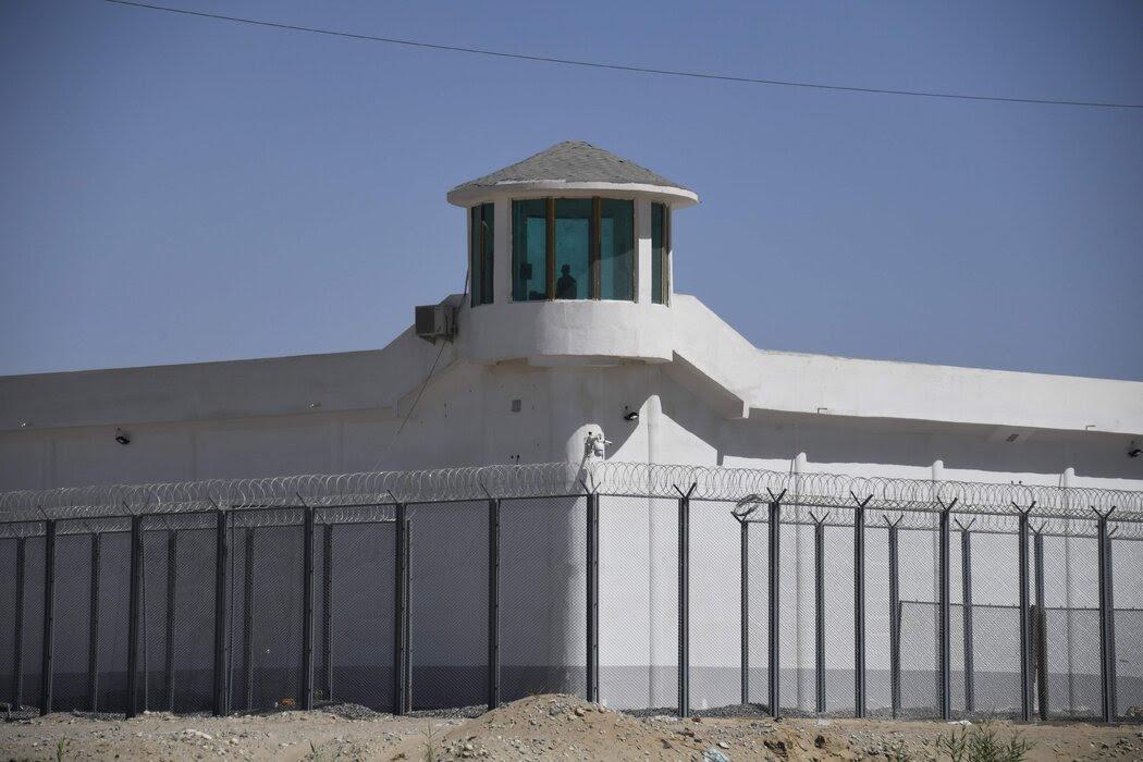 新疆和田一处戒备森严的设施。据信这里是针对维吾尔族人的再教育营。