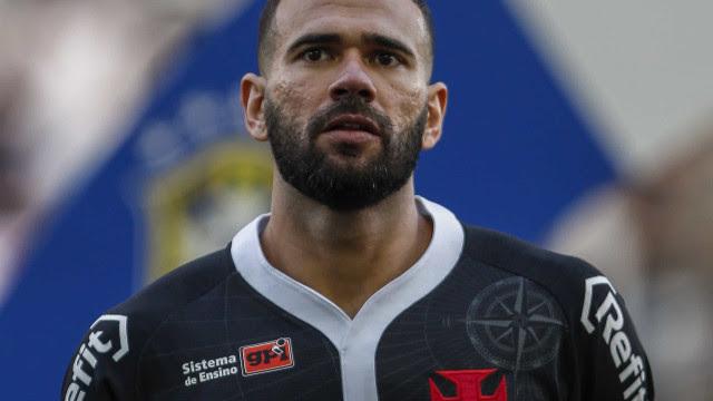Castán lamenta ausência de torcida em eliminação do Vasco na Sul-Americana
