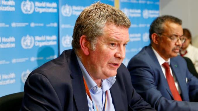 O Diretor Executivo do programa de emergências da Organização Mundial da Saúde (OMS), Mike Ryan, fala em uma entrevista coletiva sobre o novo coronavírus (2019-nCoV) em Genebra, Suíça, em 6 de fevereiro de 2020.