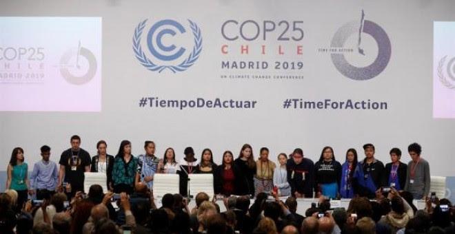 ista general de los medios que cubren a la activista sueca Greta Thunberg durante su participación este lunes en una rueda de prensa de jóvenes activistas climáticos. EFE/J.J. Guillén
