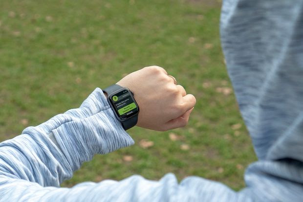 The Apple Watch Series 4 with WatchOS 5 automatically detected a running workout.