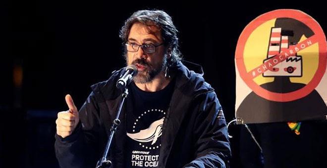 Javier Bardem llamó 'estúpidos' a Almeida y Trump durante su intervención en la Marcha por el Clima de Madrid. / KIKO HUESCA (EFE)