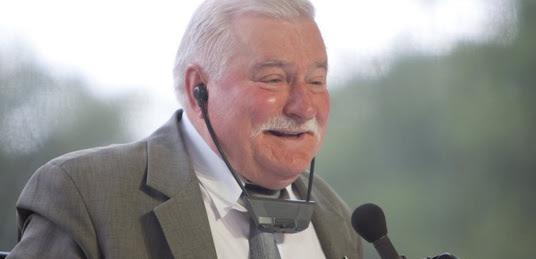Wałęsa: Przypominam, że mam broń!!!