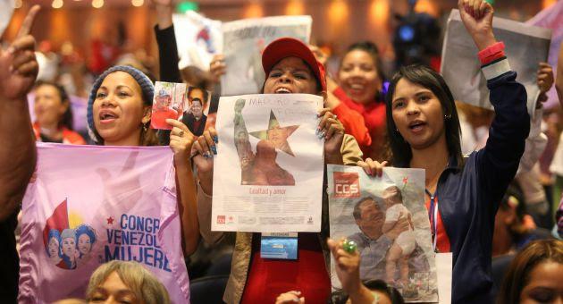 Mujeres del mundo solidarias con Venezuela