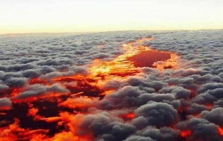 Incendio de la selva visto de un avión