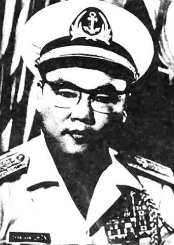 DE DOC TRAN VAN CHON, TU LENH HQVNCH.jpg