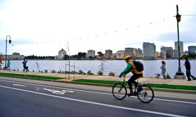 lake_merritt-bike_lane_(1).jpg