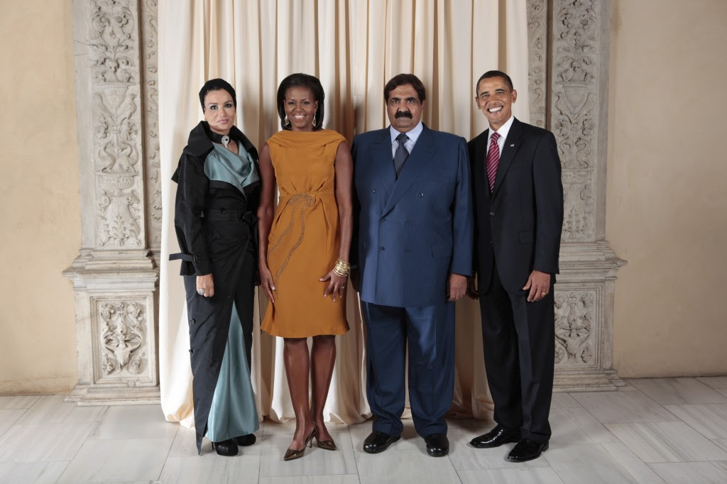 President Barack Obama and First Lady Michelle Obama pose for a photo during a reception at the Metropolitan Museum in New York with His Highness Sheikh Hamad Bin Khalifa Al-Thani, Emir of the State of Qatar, and H.H. Sheikha Mozah Consort of H.H. The Emir of the State of Qatar, Wednesday, Sept. 23, 2009. Photo: Lawrence Jackson / U.S. Department of State / flickr