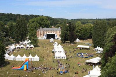 le château de fontenay-les-briis, le jour de la fameuse fête de printemps du ce